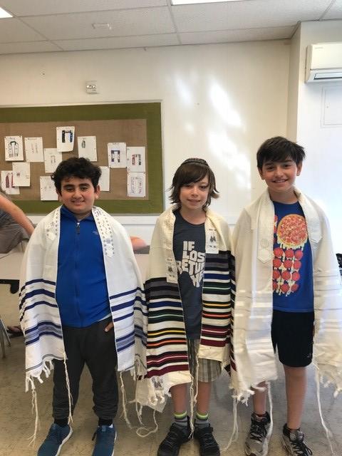 Reshet LA 3 University synagogue