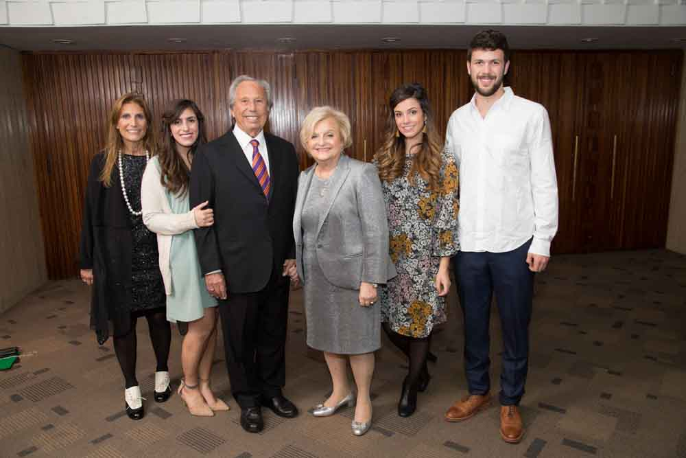 Jean and Jerry Friedman, Karen Friedman Stern and their grandkids