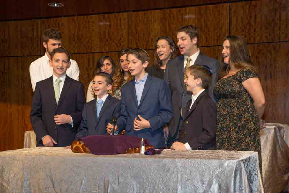 Motzi with children and grandchildren of honorees
