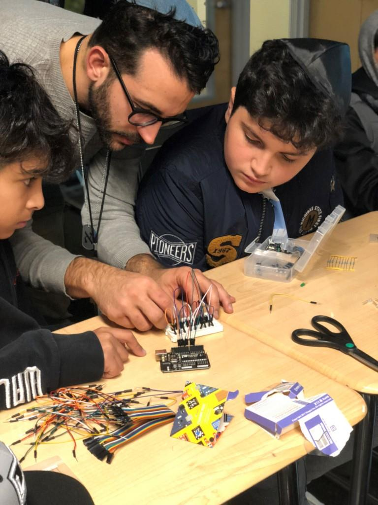 Sinai Temple students learning robotics
